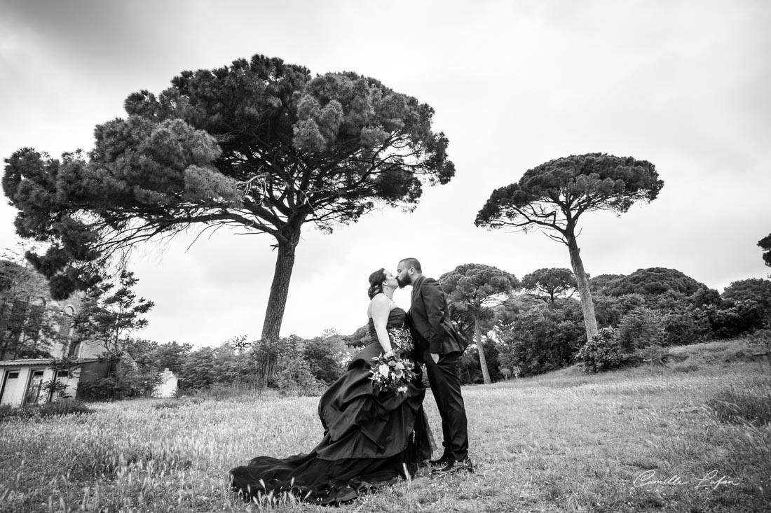 photographe-mariage-montpellier-black-dress-metal