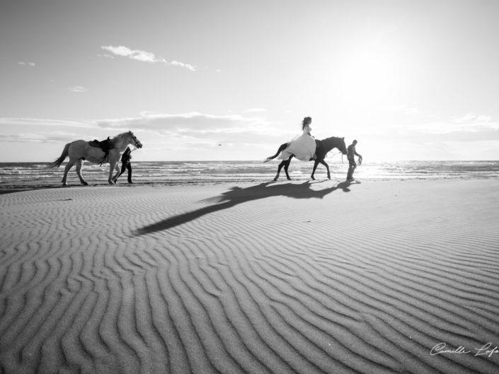 Photographie de Mariage à Cheval sur la plage de l'Espiguette et au Domaine de Biar à Lavérune
